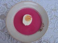 Barszcz czerwony z jajkiem