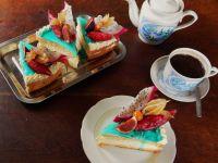 Biszkoptowe ciastka z owocami tropikalnymi