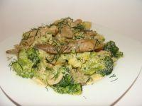 Boczniaki z brokułem w sosie