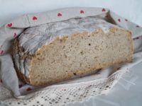 Chleb na podmłodzie z ostropestem