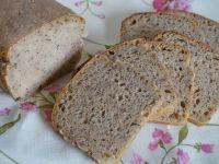 Chleb na zakwasie z dużą ilością ziaren