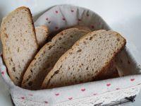 Chleb na zakwasie ze smalcem
