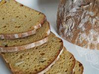 Chleb pszenno-orkiszowy z dynią na zakwasie