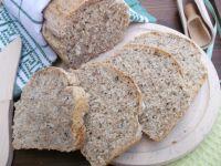 Chleb z czarnuszką,pestkami słonecznika i otrębami