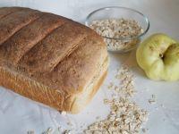 Chleb z płatkami owsianymi i antonówką na zakwasie