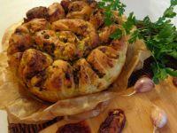 Chleb ziołowy z suszonymi pomidorami
