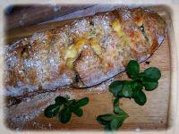 Chlebek nadziewany pokrzywą, fetą i roszponką