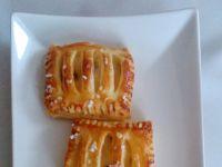 Ciasteczka francuskie z budyniem i rodzynkami
