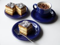 Ciasto biszkoptowe z masą śmietanową