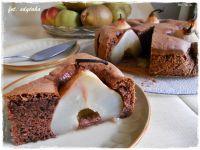 Ciasto czekoladowo-orzechowe z gruszkami