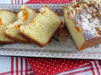 Ciasto drożdżowe z morelami i kruszonką