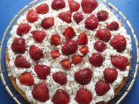 Ciasto truskawkowe na biszkopcie