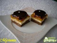Ciasto z brzoskwiniowym musem