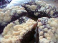 ciasto z dodatkiem wiśni i kruszonką