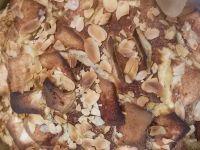 Ciasto z jabłkami i płatkami migdałów