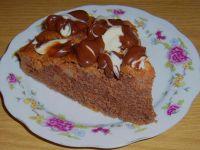 Ciasto z jabłkami i polewą czekoladową
