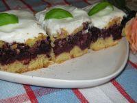 Ciasto z jeżynami i śmietaną