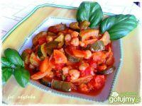 Ciecierzyca z warzywami w pomidorach