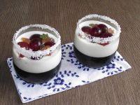 Ciemny deser z jasną nutą z winogronami