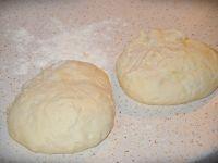 Cieniutkie ciasto na pizzę