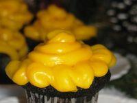 Czarne muffinki majonezowe z kremem pomarańczowym