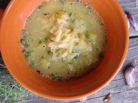 Czeska zupa czosnkowo- ziemniaczana