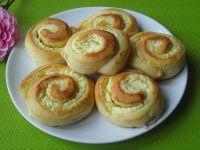 Drożdżowe ślimaki z serem