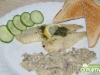 Filet z soli z sosikiem pieczarkowym