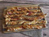 Francuskie paluchy z serem i szynka szwarcwaldzką