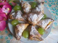 Francuskie rożki z brzoskwiniami