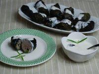 Gołąbki w botwince z sosem chrzanowym