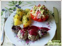 Gotowane klopsiki z kalarepka i borówką