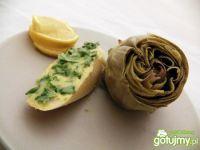 Gowane karczochy z masłem pietruszkowym