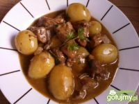 Gulasz z szynki z młodymi ziemniakami