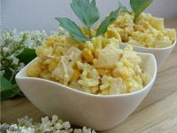 Indyjska sałatka z ryżem imbirem i ananasem