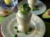 Jajka faszerowane awokado i groszkiem