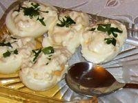 Jajka w białym sosie