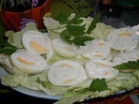 Jajka w sosie ziołowym