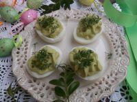 Jajka z awokado i rzeżuchą