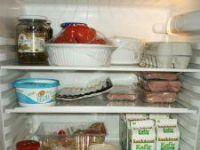 Jak usunąć zapach z lodówki?