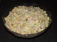 Jarzynowa sałatka z selerem naciowym