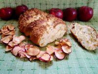 Jesienna chałka z suszonymi jabłkami i rodzynkami