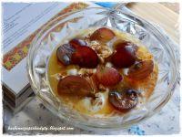 Jogurt grecki z pysznymi dodatkami