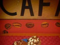 Kakaowe muffinki z truskawkami i migdałami