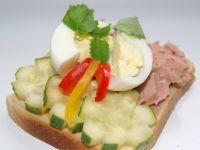 Kanapki z tuńczykiem i jajkiem