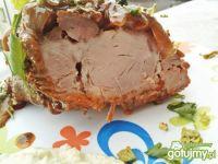 Karkówka pieczona z karmelizowaną cebulą