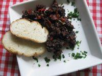 Kaszanka z kiełbasą, cebulą i papryką