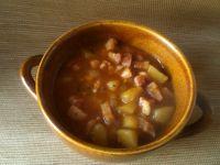 Kociołek z boczkiem i ziemniakami