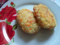 Kotleciki z ryżu, warzyw i sera żółtego