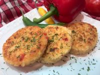 Kotlety ryżowe z papryką i serem
